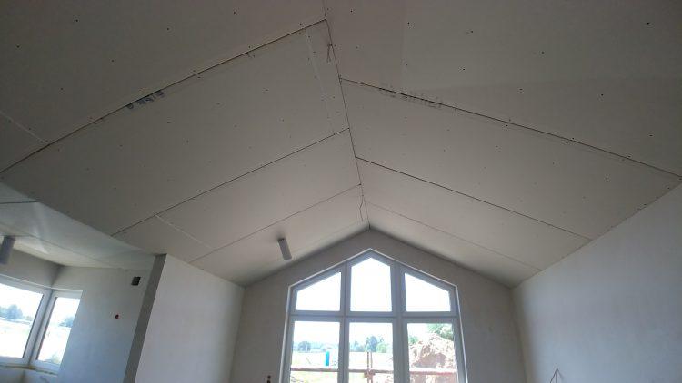 Płyty GK na stropie