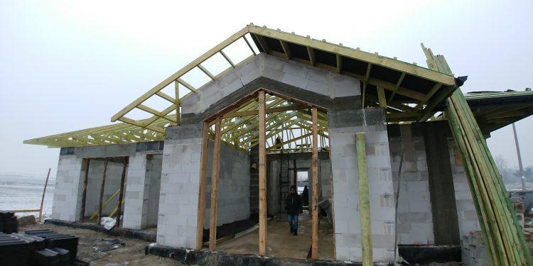 Okno duże w ykuszu, NIewiesze,budowa domu Vitra 116 DQM.